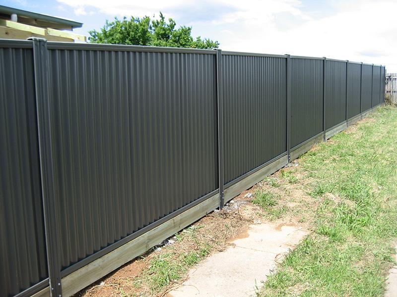 D&M Fencing - Colorbond Gallery